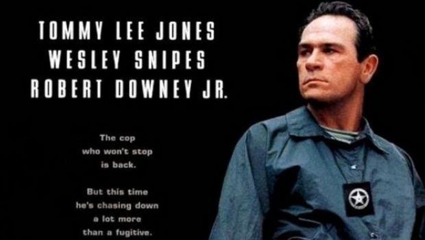 """Stasera in tv su Rete 4: """"U.S. Marshals - Caccia senza tregua"""" con Tommy Lee Jones"""