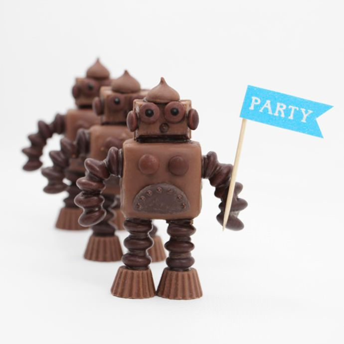 DIY Chocolate Robots all made from existing candies. WOW we're impressedKids Parties, Kids Birthday, Food Ideas, Kids Stuff, Handmade Charlotte, Chocolates Robots, Parties Ideas, Candies Robots, Diy Chocolates