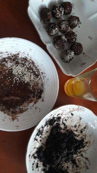 Makovo-kakaové guľôčky s brusnicami a pomarančovou šťavou (fotorecept) - obrázok 2