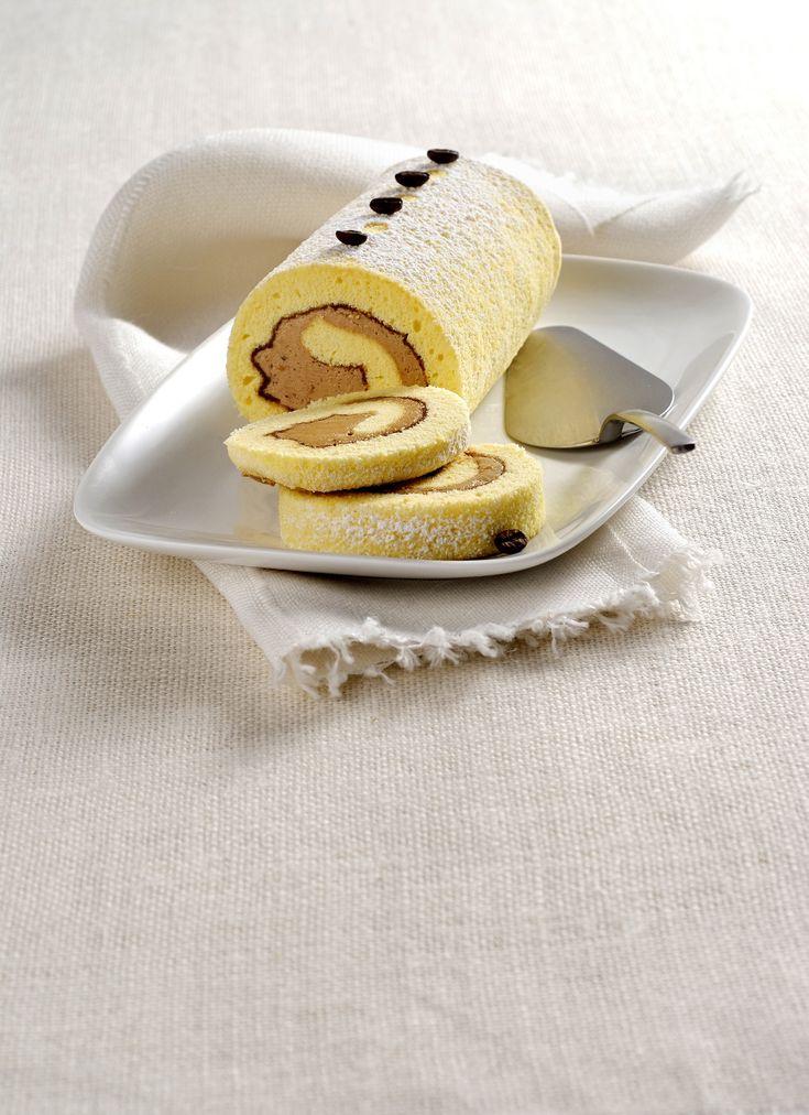 Lasciati guidare dalla ricetta di Sale&Pepe nella creazione di un rotolo di pasta biscotta ripieno di crema al caffè. Corri a dare un'occhiata!