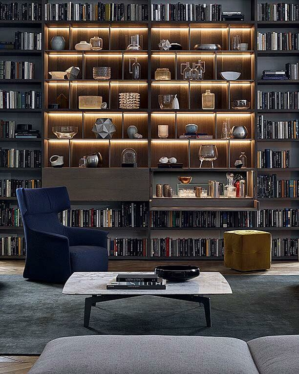 Poliform, made in Italy: Wall system day-system by R&D Poliform. #poliform #mylifedesignstories #picoftheday #madeinitaly #italiandesign #italy #design #architecture #interiordesign #richnesst #daysystem #wallsystem #bookcase #bookshelf #tvunit #raulberberdelarenal #duomorichnesst #followme #instagram #furniture #raulberber #raulbearbear