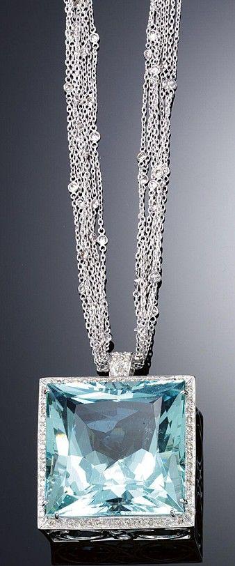Aquamarijn met diamant