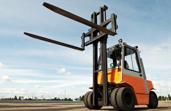 Sewa Forklift Jogja merupakan solusi bagi anda yang sedang kebingungan mencari tempat penyewaan alat-alat berat khususnya forklift.