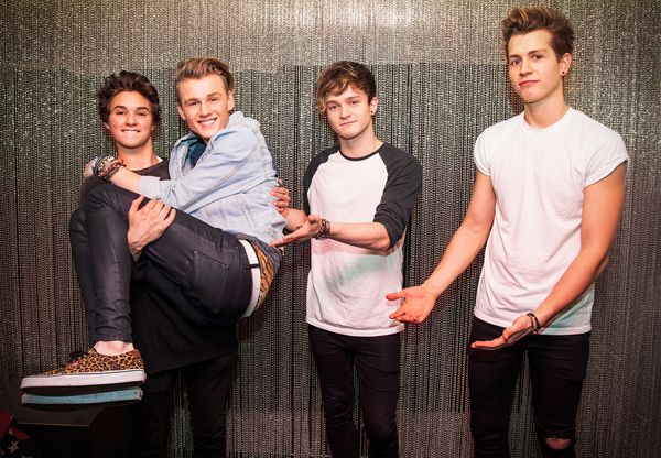 The Vamps | the-vamps-photo-6.jpg. hahahaha u expect them all to be standing normally but no. guys never do what they're told. :P