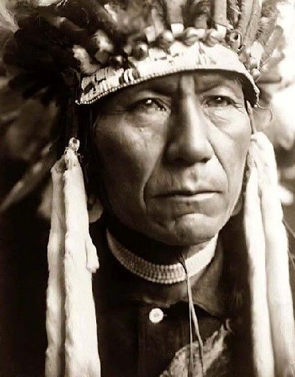 Incredible portrait of a Nez Perce Indian. Photo taken in 1910 by Edward S. Curtis.