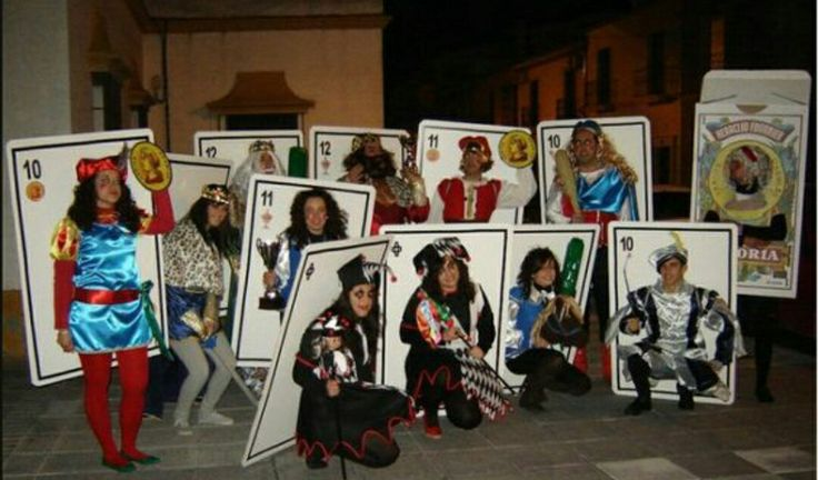 Group playing card costumes. Disfraz diferente original