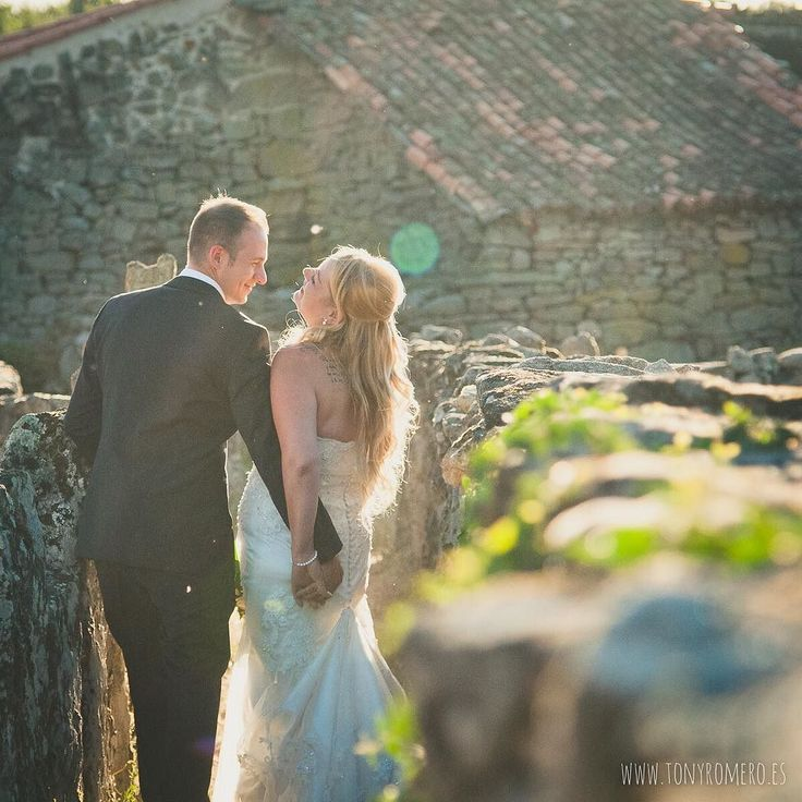 Vive ama rie. #SilviayChris #nofilter #wedding #weddingday #weddingexperience #weddingphotographer #huge #elegance #hapiness #Ourense #galicia #instalove #portrait #boda #amor #atardecer #Spain #destinationphotographer #felicidad #fotodeboda #fotografosboda #BodaenGalicia #love #light #couple #mywork #tonyromero ---> http://ow.ly/XHoz3 <---