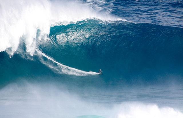 Sebastian Steudtner wins Billabong XXL Biggest Wave Award