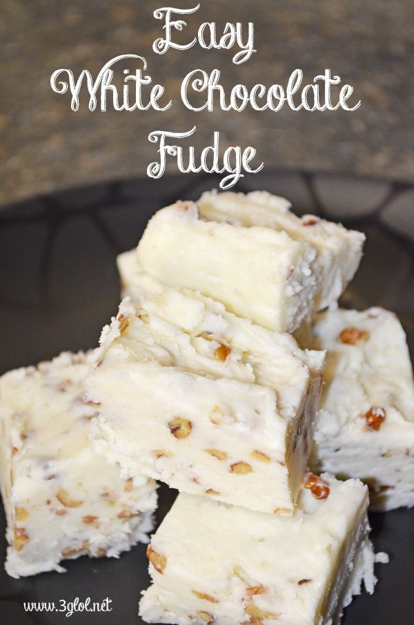 Easy White Chocolate Fudge, 5 ingredients, takes 10-15 minutes to whip up, ready in 1-2 hours. #fudge #whitechocolate #holidaydessert www.3glol.net
