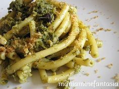 La pasta con le sarde... Palermo style! This looks just like what I had in Agrigento, Wonder if I can translate the recipe!
