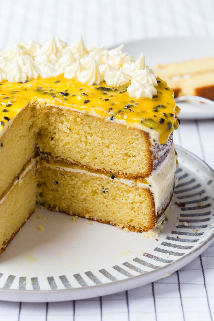 I don't know how you couldn't eat such a beautiful Thermomix passionfruit cake. The recipe is so easy and it tastes incredible.