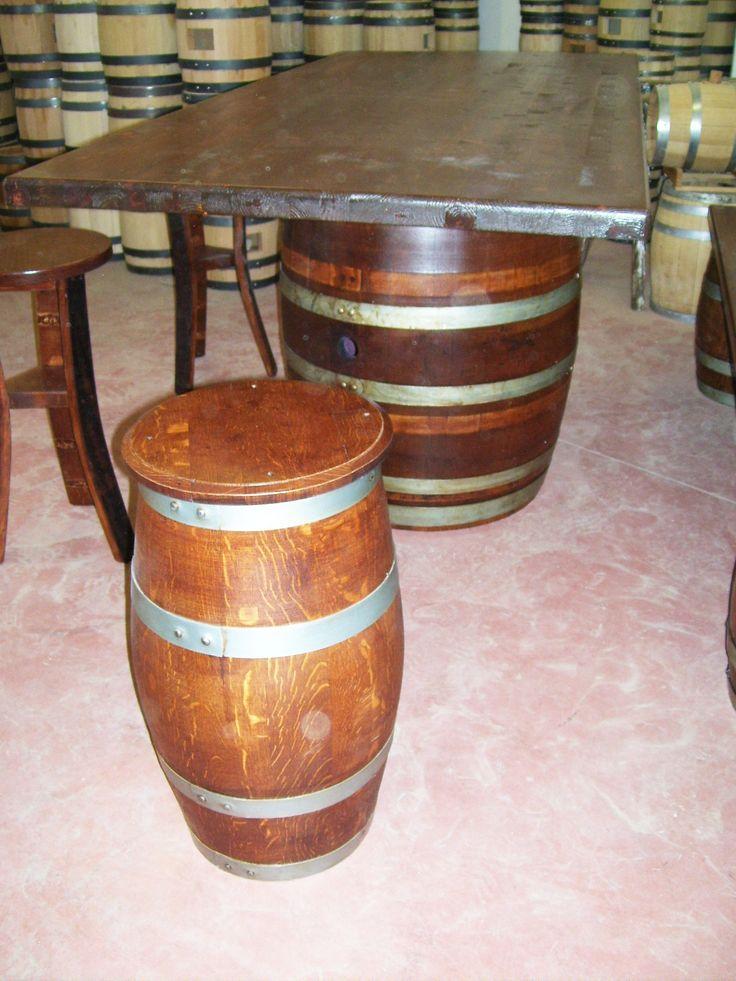 1265 - #Tavolo da #birreria e #osteria da 2 metri con #panca a corredo o #sgabelli treppiede e a #botte. Tel.0547 310171