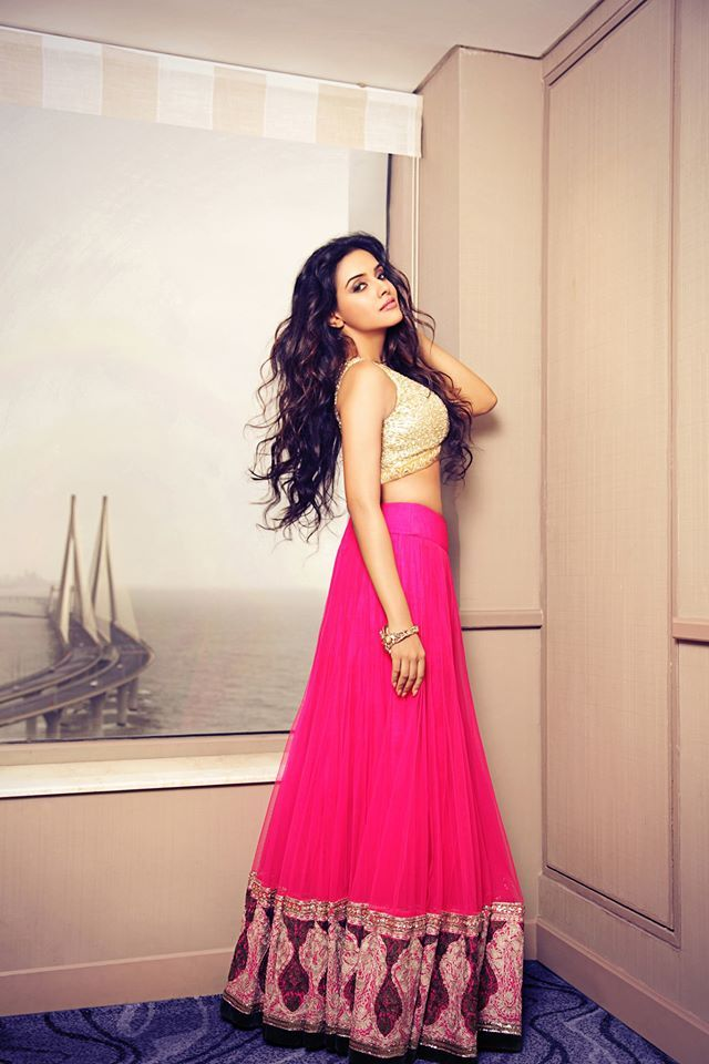 A LEGEND OF THE LUXE: Manish Malhotra Kickstart the festive season with new couture pieces from the legendary designer, Manish Malhotra. Shop at: http://www.perniaspopupshop.com/designers-1/manish-malhotra #perniaspopupshop #asin #celebrity #manishmalhotra #designer #fashion #luxe #clothes #beautiful #shopnow #trendy #style #festive #happyshopping