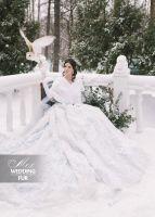 Белая накидка из норки для невесты от дизайн-студии Скорняковой. Свадебная зимняя фотосессия с совой  #white #mink #fur #luxury #couture #designer #wedding #bride Накидка из норки, норковая
