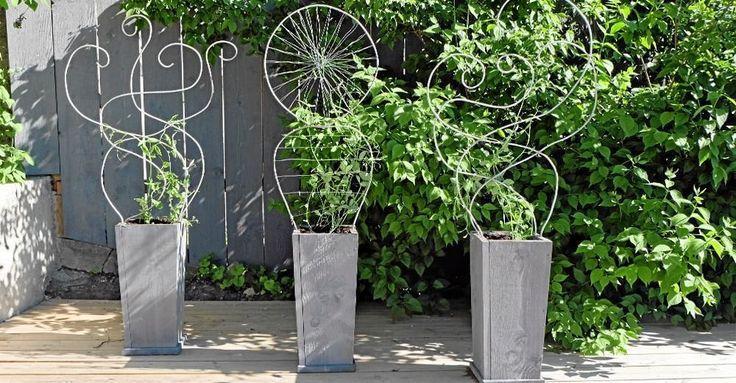 Snygga blomlådor som passar fint på den lilla uteplatsen eller balkongen.