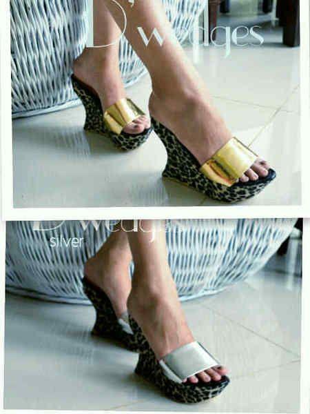 Sepatu D'WEDGES19