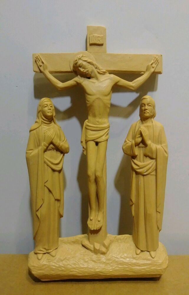 Hard Plastic Jesus On Cross Mary And Joseph Wall Hanging Inri Crucifixion Vtg