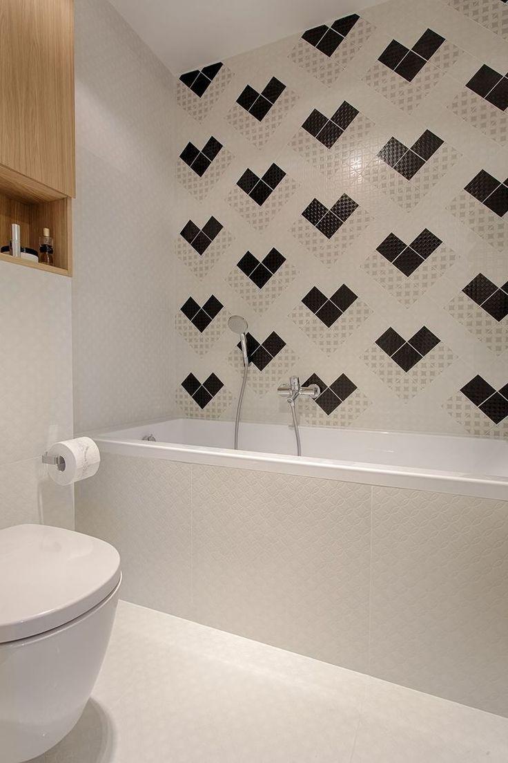 erdestudio / Small minimalist bathroom.