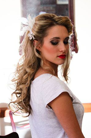 12 Wedding Hairstyles for Curly Hair