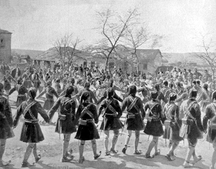 Έλληνες στρατιώτες (Εύζωνοι) χορεύουν τσάμικο στο Πέτα