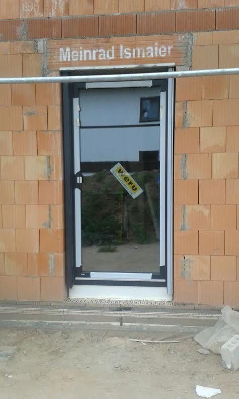 Fachgerechter Einbau von Fenstern und einer Haustür in Hausen - http://www.mp-bauelemente.de/fachgerechter-einbau-von-fenstern-und-einer-haustuer-in-hausen.html