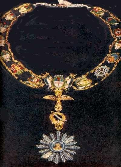 Una de las preciosas joyas de Evita, realizada en oro, platino Eva Peron's (First Lady of Argentina) Necklace