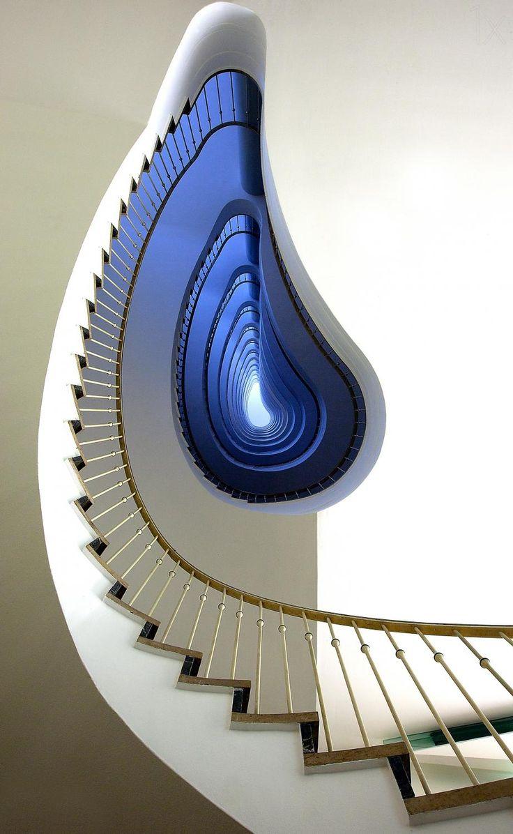 Infinity steps, Germany