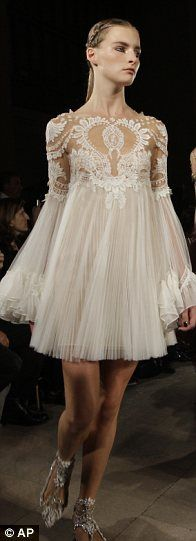 Marchesa. #HauteCouture.. is thelength was all the way to the floor I would like it a lot better