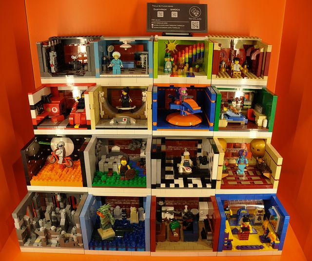 I really like the idea of these Lego mini-figure habitats. I've been thinking of how I can do something similar with my ikea RIBBA frames.