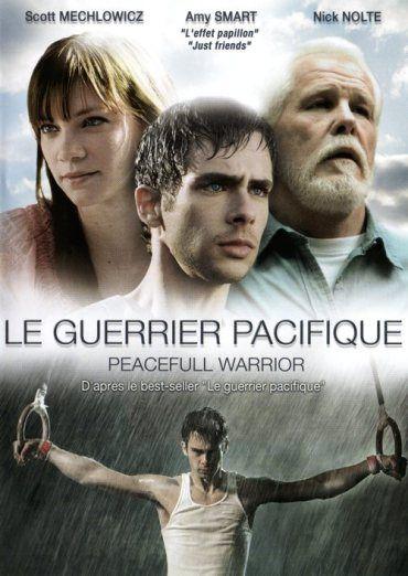 Un film remarquable et inspirant sur l'expérience de Dan Millman champion de gymnastique américain, qui, guidé par un vieux sorcier excentrique, triomphe peu à peu de ses peurs et de ses illusions ...