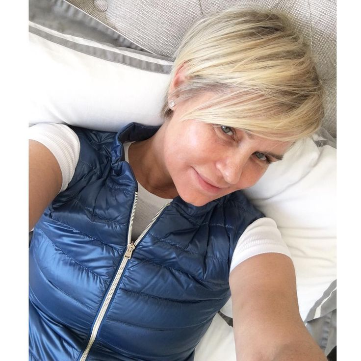 """Days after kicking off her weeklong detox, Yolanda Foster has decided to refresh her outer appearance as well.The Real Housewives of Beverly Hillsmom debuted a new, short haircut on Instagram Wednesday. """"New Day, New Haircut and Life from the side lines is still a blessing......."""