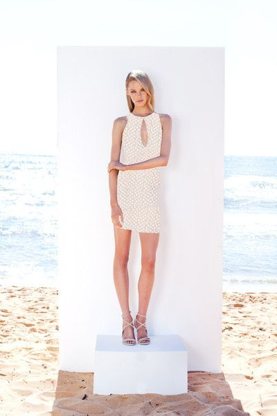 http://www.winonaaustralia.com/products/w02dr03-garden-of-lace-keyhole-dress