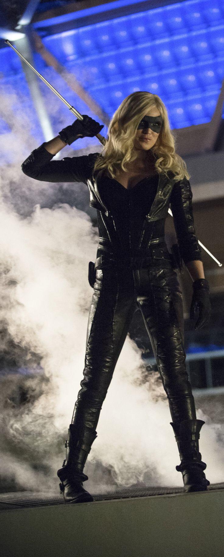 Caity Lotz as The Canary in Arrow 3x01 The Calm