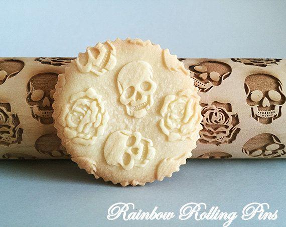 Skull rose pattern,Embossing rolling pin,embossed,engraved rolling pin,Halloween cookie,cookies,skulls,roses,skeleton,Halloween party decor