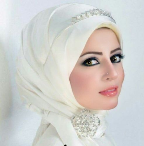 wedding hijab style- Egyptian model Omnia Farouk the Barbie girl http://www.justtrendygirls.com/egyptian-model-omnia-farouk-the-barbie-girl/