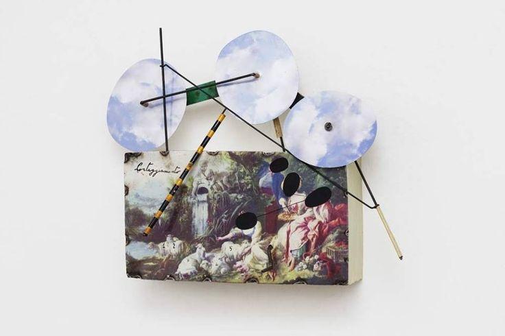 """""""Corteggiamento francese"""", 2014 Olio su lamiera di ferro Meccanismo a parete 26 x 22 x10 cm"""