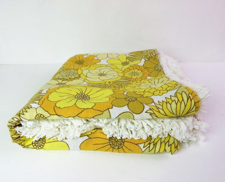 Double bedspread / large fringed throw Mid cenmtury, mod flower, yellow by Marks and Spencer St Micheal, cotton rich - excellent condition! by BlindDogVintage on Etsy