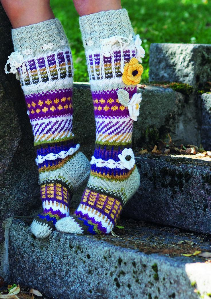 Villasukat Anelman kukkasukat Novita 7 Veljestä ja 7 Veljestä Raita | Novita knits