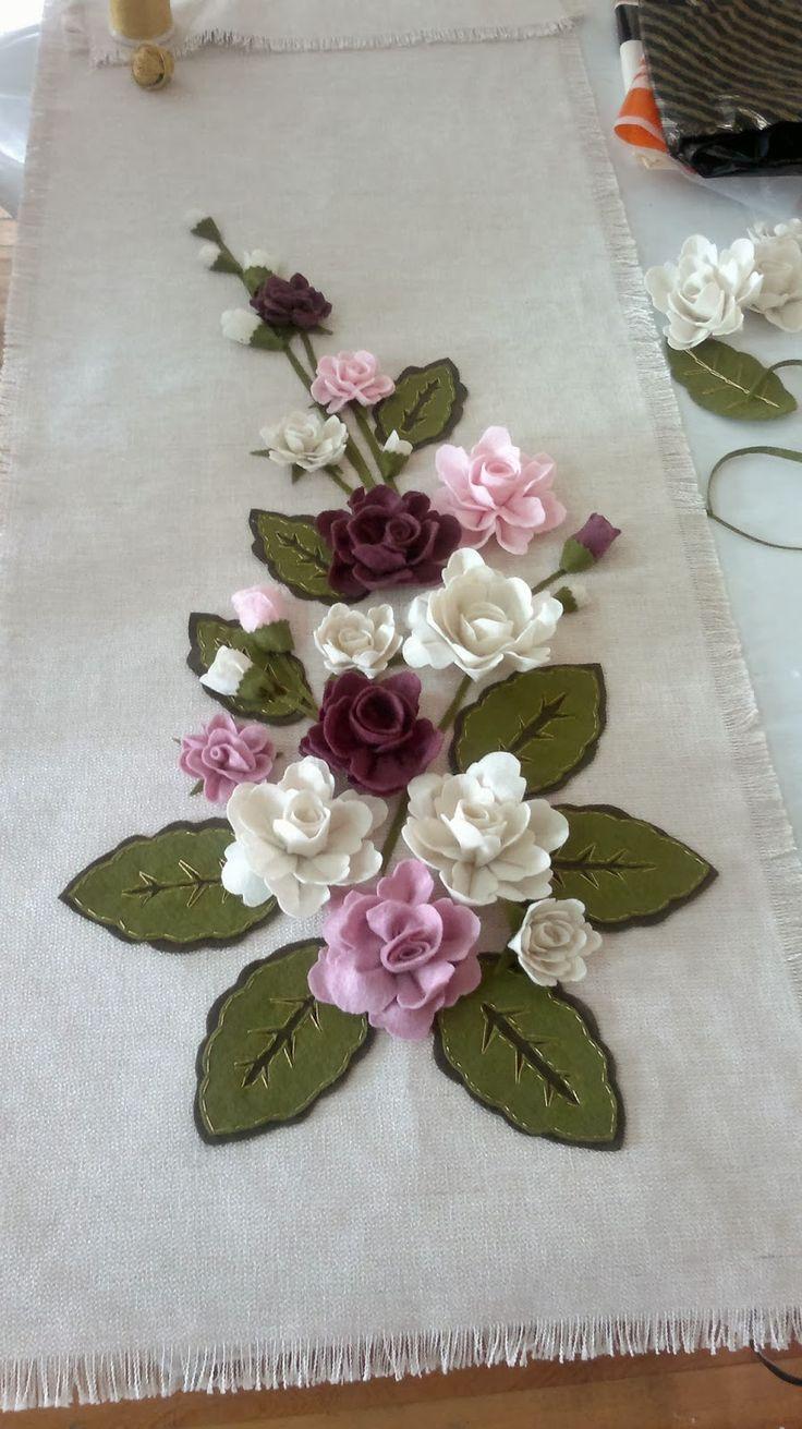 Colgante: precioso ramo de rosas de fieltro