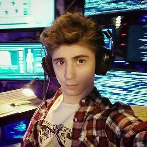 Lorenzo Ostuni (Favij) ♥