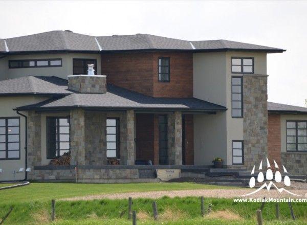 Hillside Blend Natural Stone and Master Wall acrylic stucco from Kodiak Mountain Stone