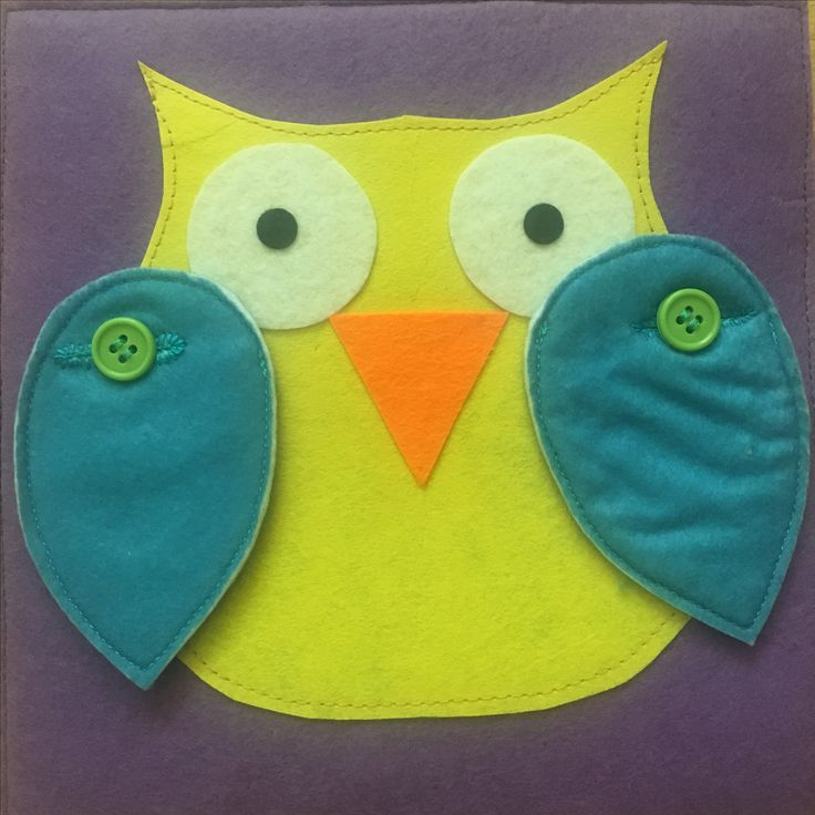 We love owls :) Quiet book activity with buttons.