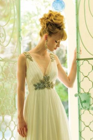 日本のブランドにはなかなかないデザインのドレスがたくさん : 梨花が着て大人気!トリートドレッシングの魅力 - NAVER まとめ