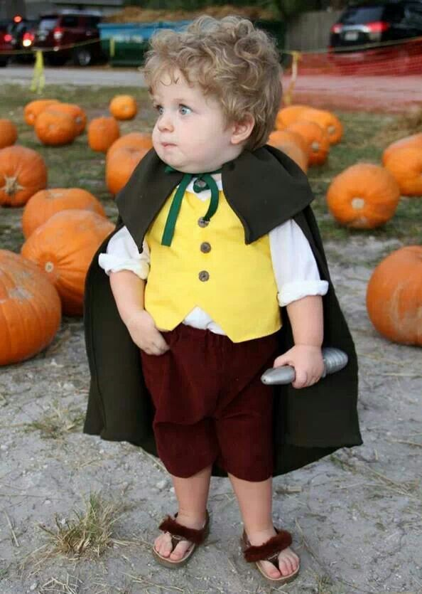 Hobbit costume for a toddler. Love the furry flip flops. Sorry FM this is happening..