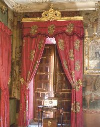 Two pairs of spanish red silk damask curtains with for 18th century window treatments