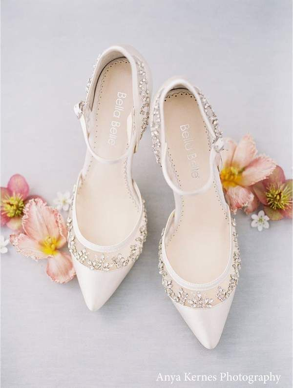Flower Lace Wedding Shoes Low Heel In 2021 Wedding Shoes Bridal Shoes Ivory Wedding Shoes