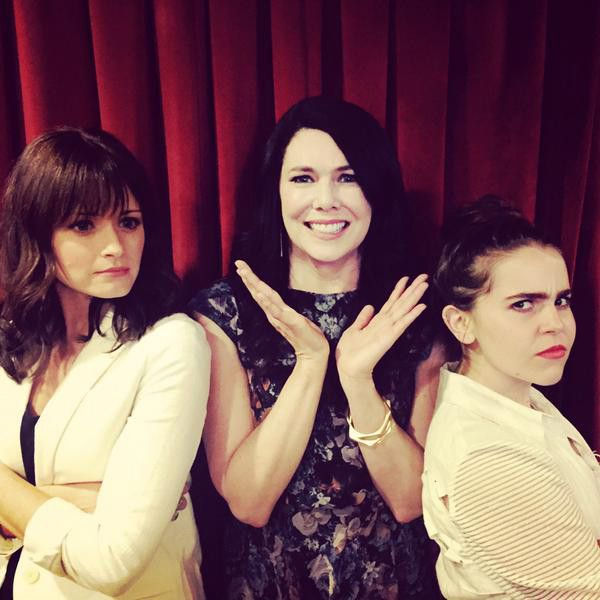 Lauren Graham's TV Daughters Mae Whitman and Alexis Bledel Finally Meet and the Result Is Priceless! | E! Online Mobile