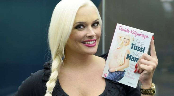 """Daniela Katzenberger hat jetzt das Buch """"Eine Tussi wird Mama"""" rund um ihre Schwangerschaft veröffentlicht."""