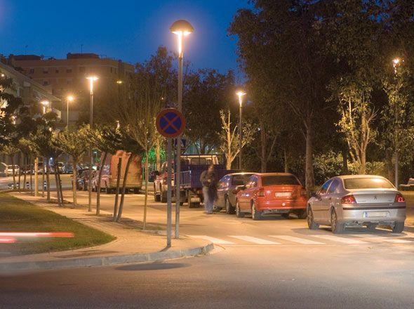 Columna Troncocónica de 4 a 12m ICAP - Columnas Vial - Alumbrado Público | BENITO URBAN