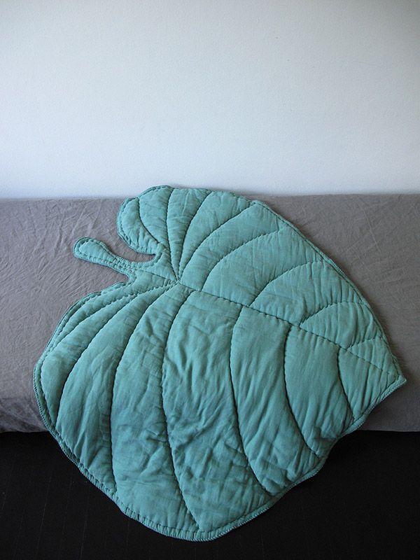 Nofred Leaf Blanket – Green   organic cotton baby blanket